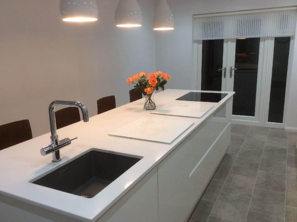 white gloss kitchen falkirk - Kitchen Islands